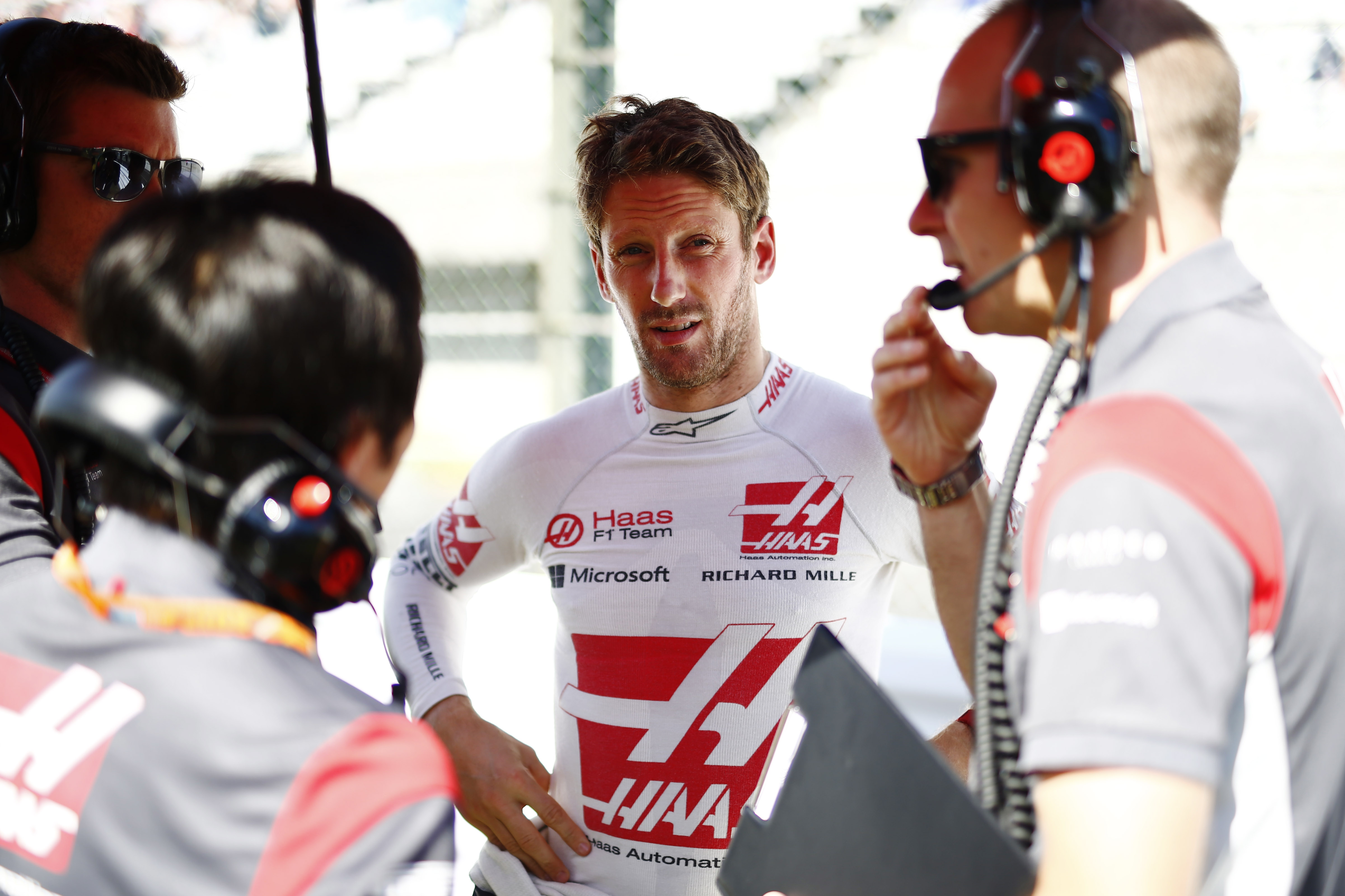 Suzuka Circuit, Japan. Sunday 08 October 2017. Romain Grosjean, Haas F1, on the grid. World Copyright: Andy Hone/LAT Images  ref: Digital Image _ONZ3983